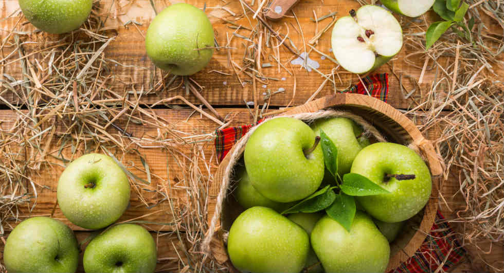 health benefits of green apples, green apples nutrition, are the green apples good